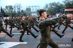 Репетиция парада к 9 Мая. Тюмень, солдаты, марш, курсанты тввику
