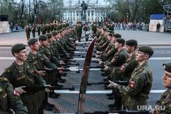 Репетиция парада к 9 Мая. Тюмень, военные, солдаты, курсанты тввику