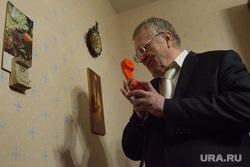 Кандидат в президенты России Владимир Жириновский в Екатеринбурге, портрет, жириновский владимир, телефонная трубка
