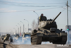 Первая репетиция юбилейного Парада Победы в Екатеринбурге на 2-ой Новосибирской, военная техника, танк, репетиция, армия россии, т-34, тяжелое вооружение