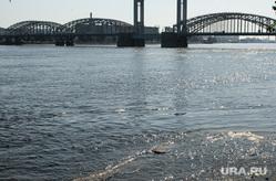 Виды Санкт-Петербурга. Санкт-Петербург, река нева, финляндский железнодорожный мост
