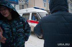 Обрушенная кровля в цехе № 42 на заводе имени Калинина. Екатеринбург, зик, скорая помощь, завод имени калинина