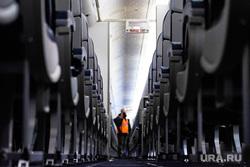Флагманский самолет Boeing 777-300ER авиакомпании «AZUR air». Екатеринбург, воздушное судно, боинг, пассажир, проход, салон самолета, пассажирский самолет, авиакомпания, авиакресла, борт самолета, авиаперевозки, пассажирское место