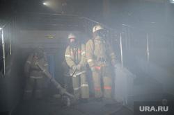 Ледовая арена Трактор. Из архива. Челябинск, дым, пожарные