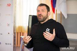 Миллиардер Игорь Рыбаков в родной школе № 56. Магнитогорск, рыбаков игорь, технониколь