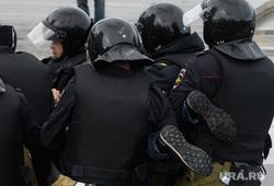 Задержания участников митинга против пенсионной реформы в Екатеринбурге, акция протеста, беспорядки, ноги, задержание