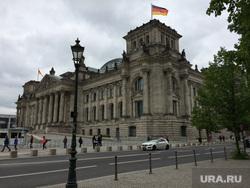 Берлин, флаг германии, рейхстаг