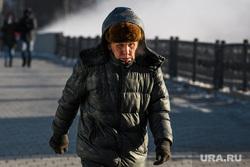 Виды Екатеринбурга, пенсионер, зима, теплая одежда, старик, холод, холодная погода