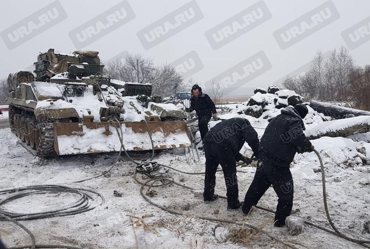 УГМК наняло танк вытащить экскаваторы утонувшие при строительстве трамвайной ветки