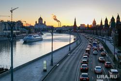 Пробки в городе. Москва, машины, пробка, трафик, город москва, автомобили, автотранспорт