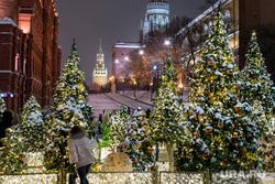Новогодняя Москва. Москва, новогодняя елка, кремль, новый год, иллюминация, манежная площадь, манежка