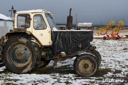 Деревня Корзуновка Ачитского района Свердловской области, трактор, деревня, грабли, сельскохозяйственная техника, сельское хозяйство