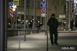 Лубянская площадь после проишествия со стрельбой у здания ФСБ России. Москва, место проишествия, лубянская площадь, полицейское оцепление