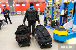 Алексей Текслер посетил новый терминал внутренних авиалиний аэропорта «Челябинск» имени Игоря Курчатова. Челябинск, багаж, аэропорт челябинск, аэропорт игорь курчатов