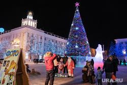 Иллюминация. Курган, праздник, новогодняя елка, город курган, иллюминация, площадь ленина, новый год