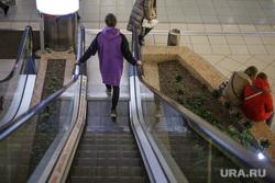 Виды Перми, торговый центр, эскалатор
