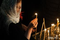 Празднование Рождества Христова в Свято-Троицком кафедральном соборе. Екатеринбург, свечи, вера, прихожане