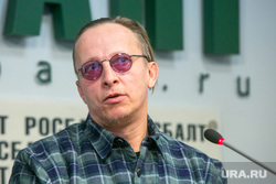 Пресс-брифинг Ивана Охлобыстина в Росбалте в связи с выходом его романа