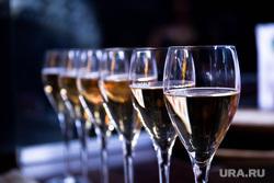 День Рождения караоке Grand Урюк. Екатеринбург, бокалы с шампанским, алкоголь