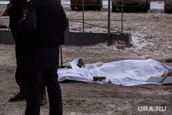 Труп у Высоцкого. с бизнес-центра упал неизвестный. Екатеринбург, труп