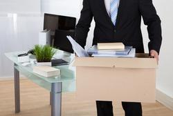 Клипарт depositphotos.com, безработица, увольнение работника, потеря работы, коробка с вещами