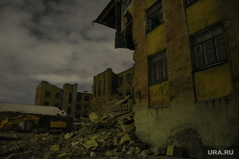 Снос здания на Нагорной, 12. Екатеринбург