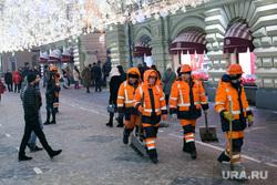 Новогодняя Москва. Москва, дворники