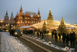 Новогодняя Москва. Москва, новогодняя елка, гим, новый год, иллюминация, манежная площадь, манежка, государственный исторический музей