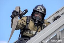 Учения МЧС. Курган, пожарный шланг, пожарные