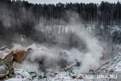 Пожар на несанкционированной свалке на Уралмаше. Екатеринбург, дым, лес, свалка, мусорный полигон, свалка горит, пожар на свалке