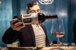 Винный бар KARMA за две недели до открытия. Екатеринбург, бокал, алкоголь, бутылка вина