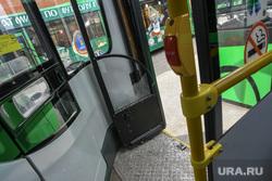 Автобус 54 маршрута, разбитый пассажирами в день 295-летия Екатеринбурга, салон автобуса