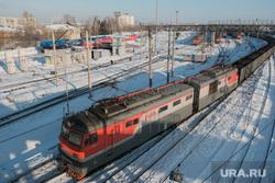 Железнодорожный вокзал. Курган, поезд, рельсы, зима, вагон, вокзал, ржд