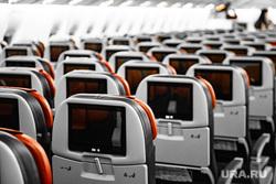 Флагманский самолет Boeing 777-300ER авиакомпании «AZUR air». Екатеринбург, воздушное судно, мониторы, салон самолета, пассажирский самолет, авиакомпания, самолет, авиакресла, борт самолета, авиаперевозки, место в самолете
