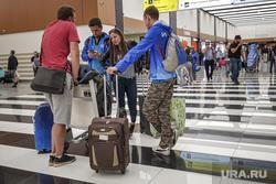 Зал ожидания аэропорта «Кольцово». Екатеринбург, аэропорт, чемоданы, туризм, ожидание, багаж, пассажиры, зал прилета, пассажир, погрузка, выдача багажа, шереметьево, багажное отделение, туристы, терминал B, терминал б
