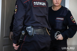 Судебное заседание по уголовному делу бывшего заместителя губернатора Курганской области Ванюкова Романа. Курган, судебное заседание, полиция, конвой, судебное дело