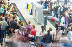 Клипарт depositphotos.com, аэропорт, туристы, пассажиры в ожидании, чемоданы, путешествие, получение багажа