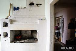 Деревня Корзуновка Ачитского района Свердловской области, деревенский дом, печь, вшивкова елена, кухня