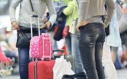 Клипарт depositphotos.com, аэропорт, туристы, пассажиры в ожидании, чемоданы, путешествие
