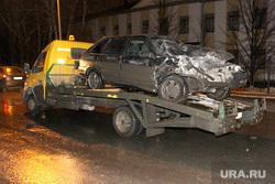Ночная авария Курган, эвакуатор, разбитый автомобиль