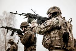 Клипарт сток pickupimage. miliman. Екатеринбург, военные, солдаты, оружие, армия, nato, армия сша, американская армия, солдаты нато