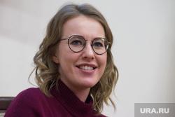 Ксения Собчак встречается с жителями Свердловской области после открытия предвыборного штаба в Екатеринбурге, собчак ксения, портрет