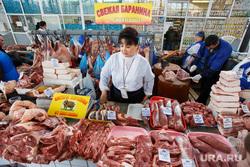 Приготовление шашлыков. Екатеринбург, рынок, баранина, шарташский рынок, продавщица, мясо