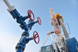 Открытая лицензия на 30.07.2015. Добыча нефти и газа, газ, краны, новый порт, добыча газа
