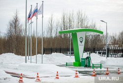 Уборка снега на территории коттеджного поселка «Березка». Сургут   , азс, заправка для электромобилей