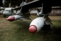 Экспонаты Центрального Музея Военно-Воздушных Сил России в Монино. Московская область, Монино, снаряд, ракета, торпеда, самолет, бомба