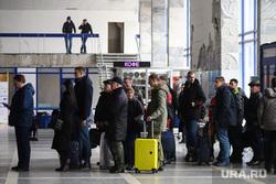 Аэропорт. Курган, аэропорт, пассажиры, чемоданы