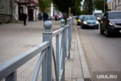 Ограждения по ул. Малышева. Екатеринбург, ограждения, забор, улица малышева, автомобильные ограждения