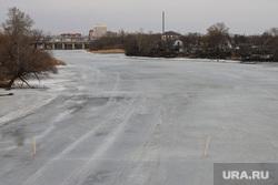 Виды города. Курган., лед  в воде, река тобол, паводок, тобол весной