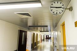 Аппарат искусственной вентиляции легких в Челябинском федеральном центре сердечно-сосудистой хирургии (кардиоцентре). Челябинск, больничный коридор, больница, коронавирус